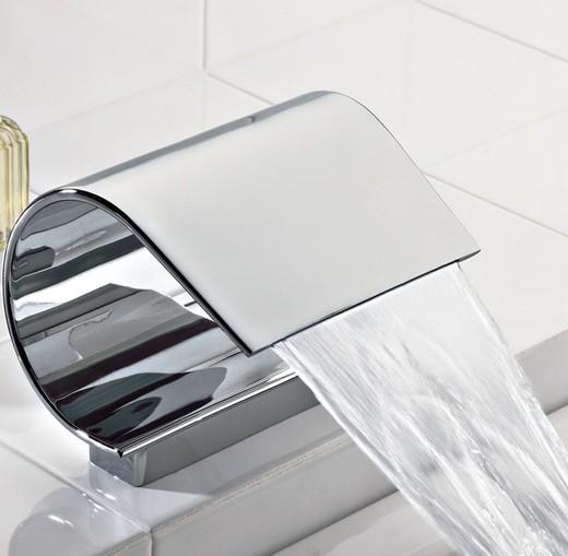 bath-faucets-bath-spouts-guaira-waterfall-bath-spout-505300610-.jpg